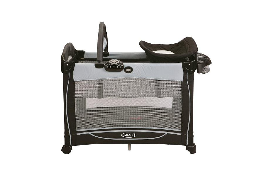 a photo of the graco element playard