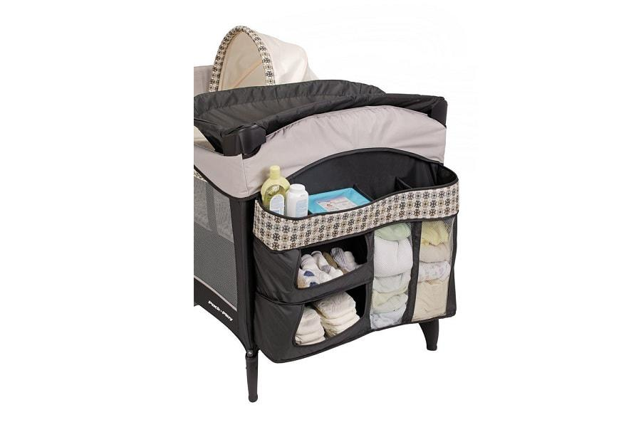 a view on the graco elite playard from the side