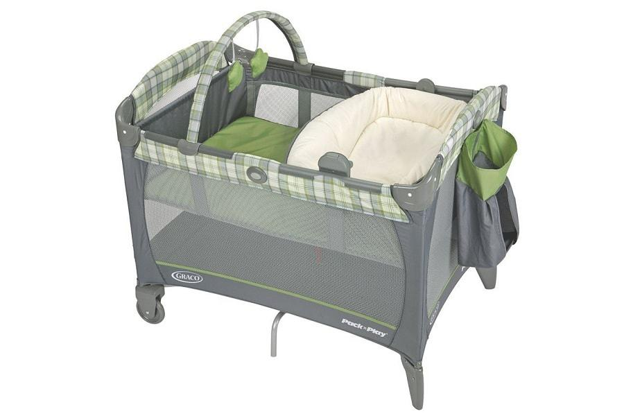 a nice graco for a baby to sleep in